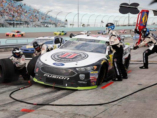 NASCAR_Homestead_Auto_Racing_91916.jpg