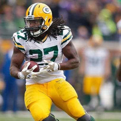 Green Bay Packers running back Eddie Lacy scores a