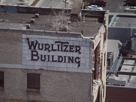 The collapsing facade of the Wurlitzer Building in March 2012.