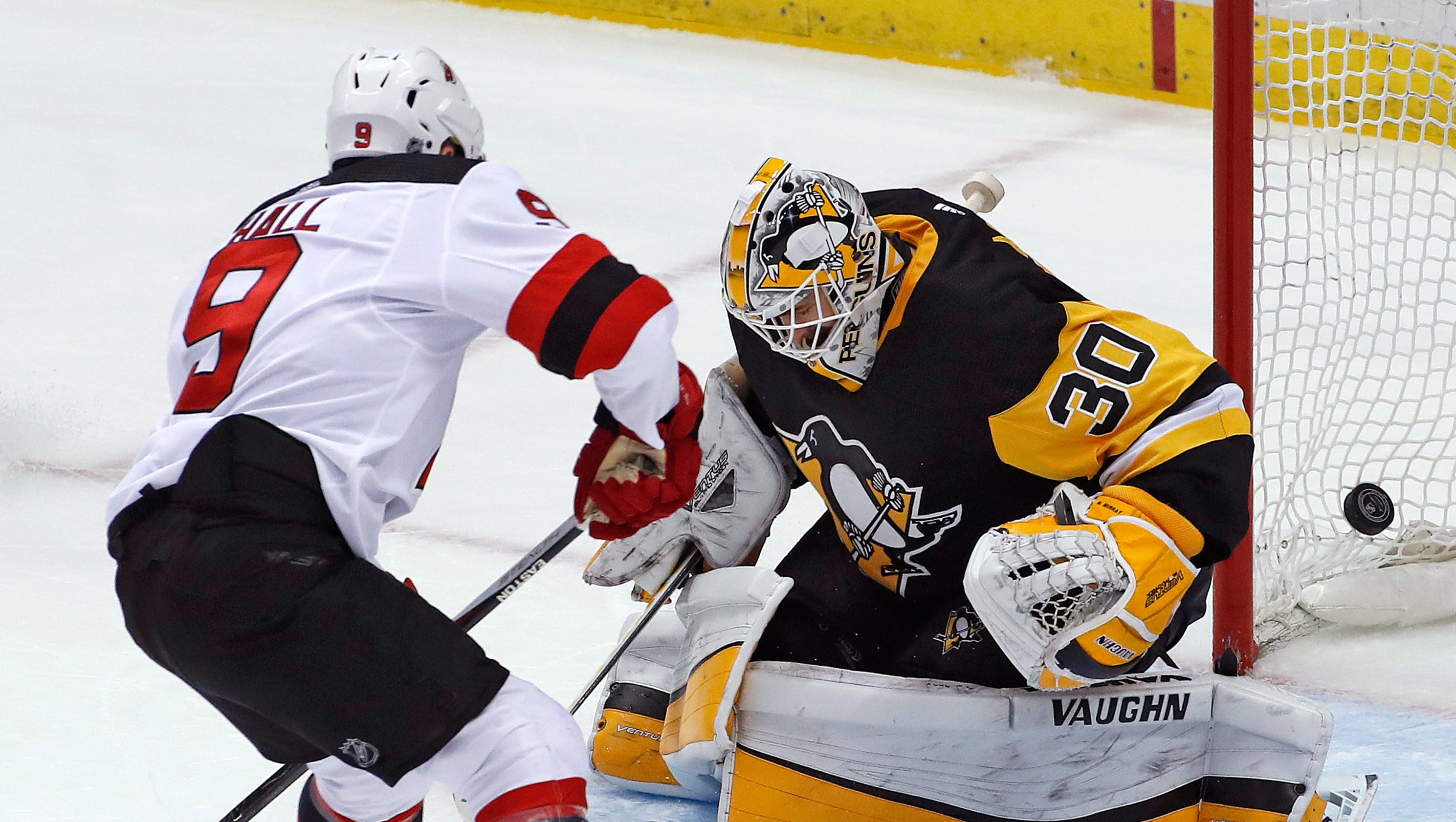 636574417768965455-ap-devils-penguins-hockey.1