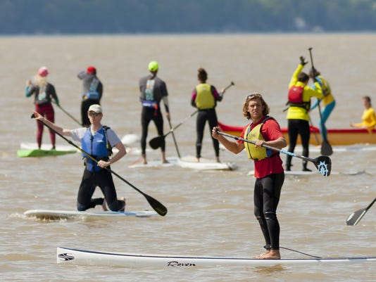 29149518_Paddleboard_Race_sw