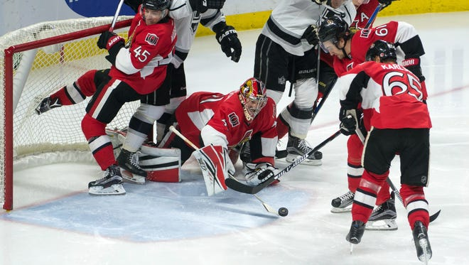 Ottawa Senators goalie Craig Anderson (41) makes a save in the third period against the Los Angeles Kings at the Canadian Tire Centre.