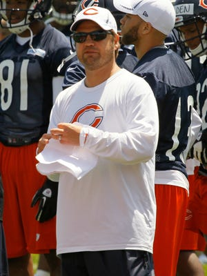 Jeremy Bates, here with the Bears, has been named the Jets' quarterbacks coach.