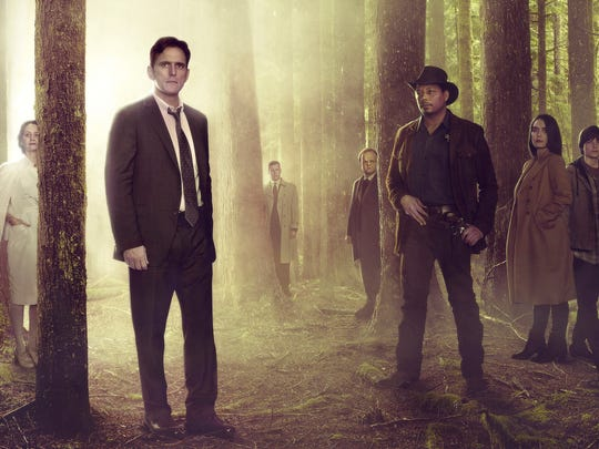 "Matt Dillon is in good company in the new Fox drama ""Wayward Pines,"" starring with,  Juliette Lewis, Melisa Leo, Dillon, Tim Griffin, Toby Jones, Terrence Howard, Shannyn Sossamon, Charlie Tahan, Reed Diamond and Carla Gugino."
