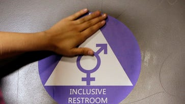 Chicago-area school district under fire again over transgender locker room policy