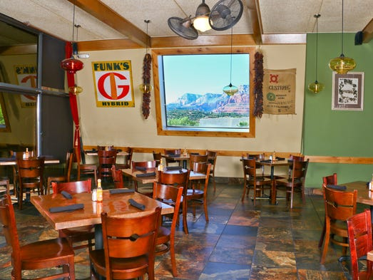 Tamaliza S Cafe