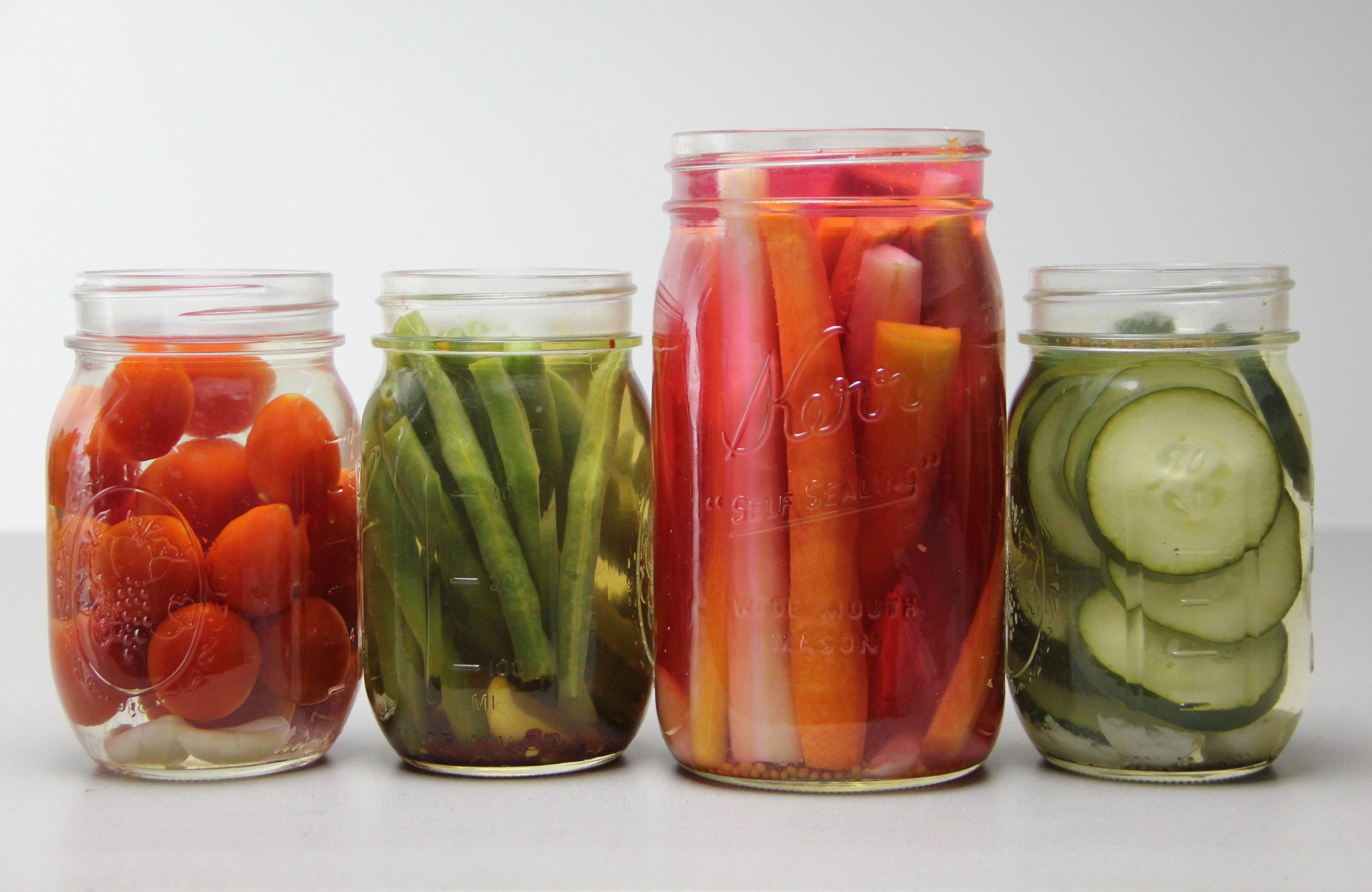 Hostess: how to pickle tomatoes in jars 92