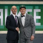 Bucks select Donte DiVincenzo with 17th pick in NBA draft