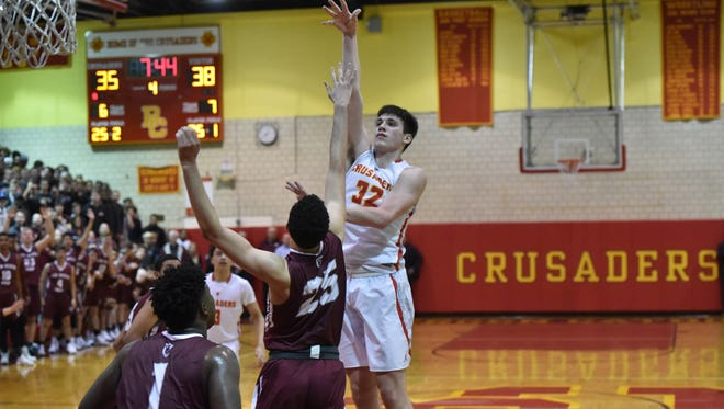 Bergen Catholic's Zach Freemantle (32) scored 14 in Tuesday's 52-49 win over Don Bosco.