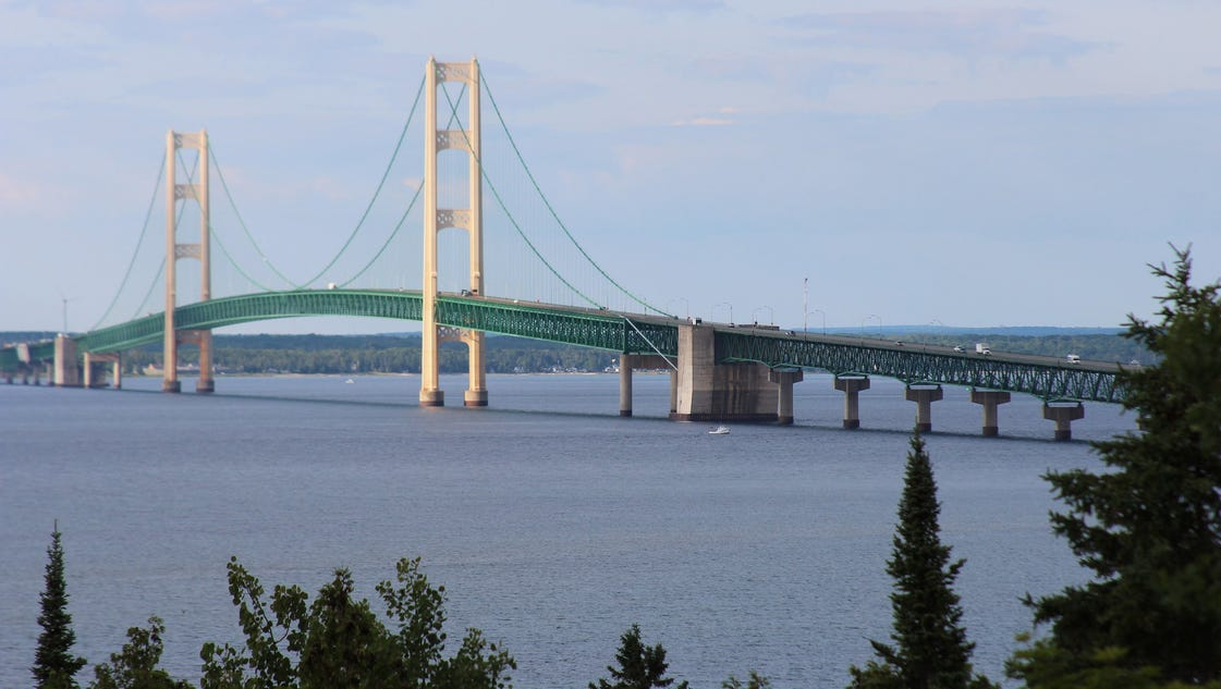 Hundreds expected to cross Mackinac Bridge in Jeep the Mac