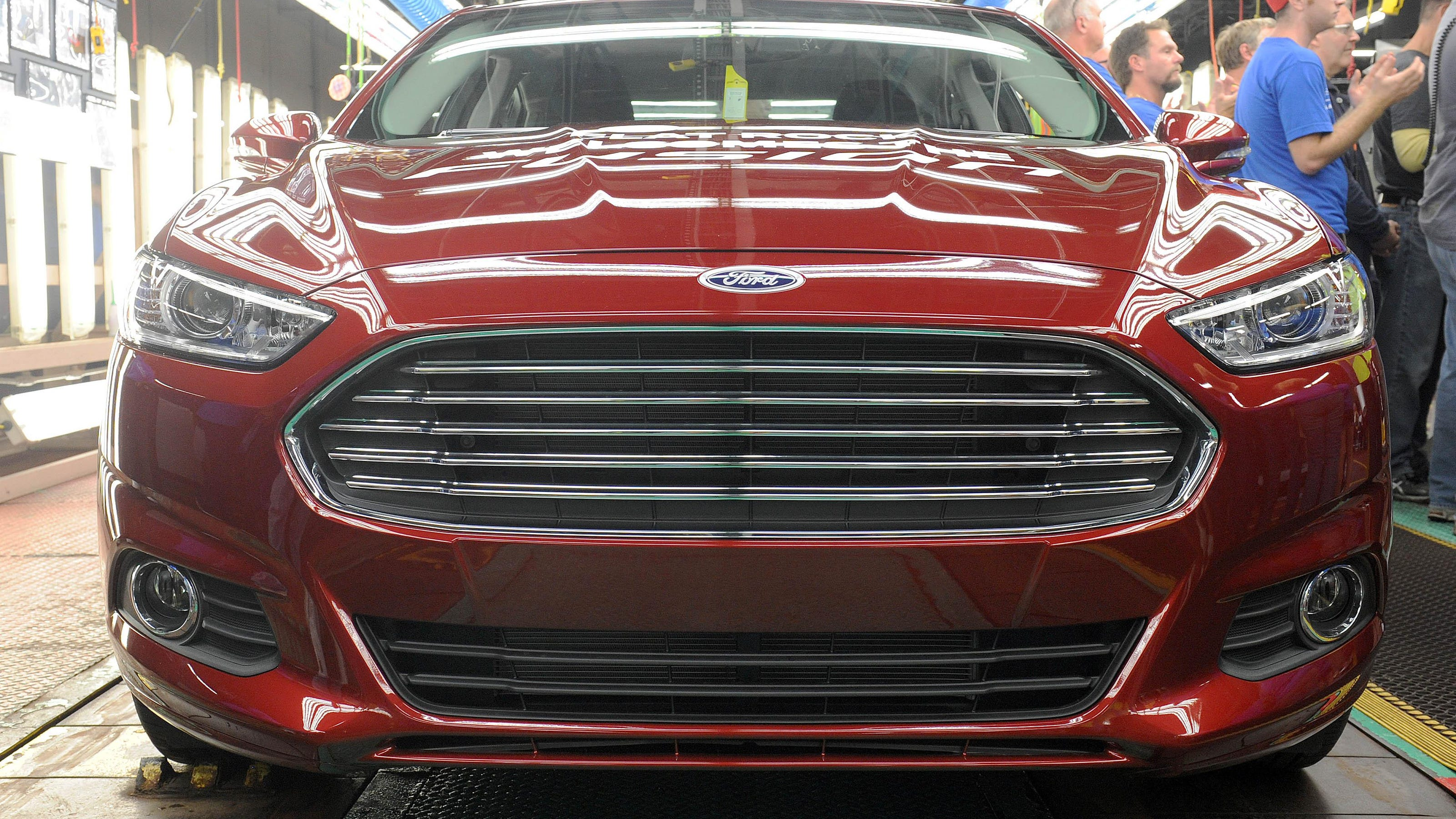 Ford Recalls 230 000 Cars Over Potential Engine Fires