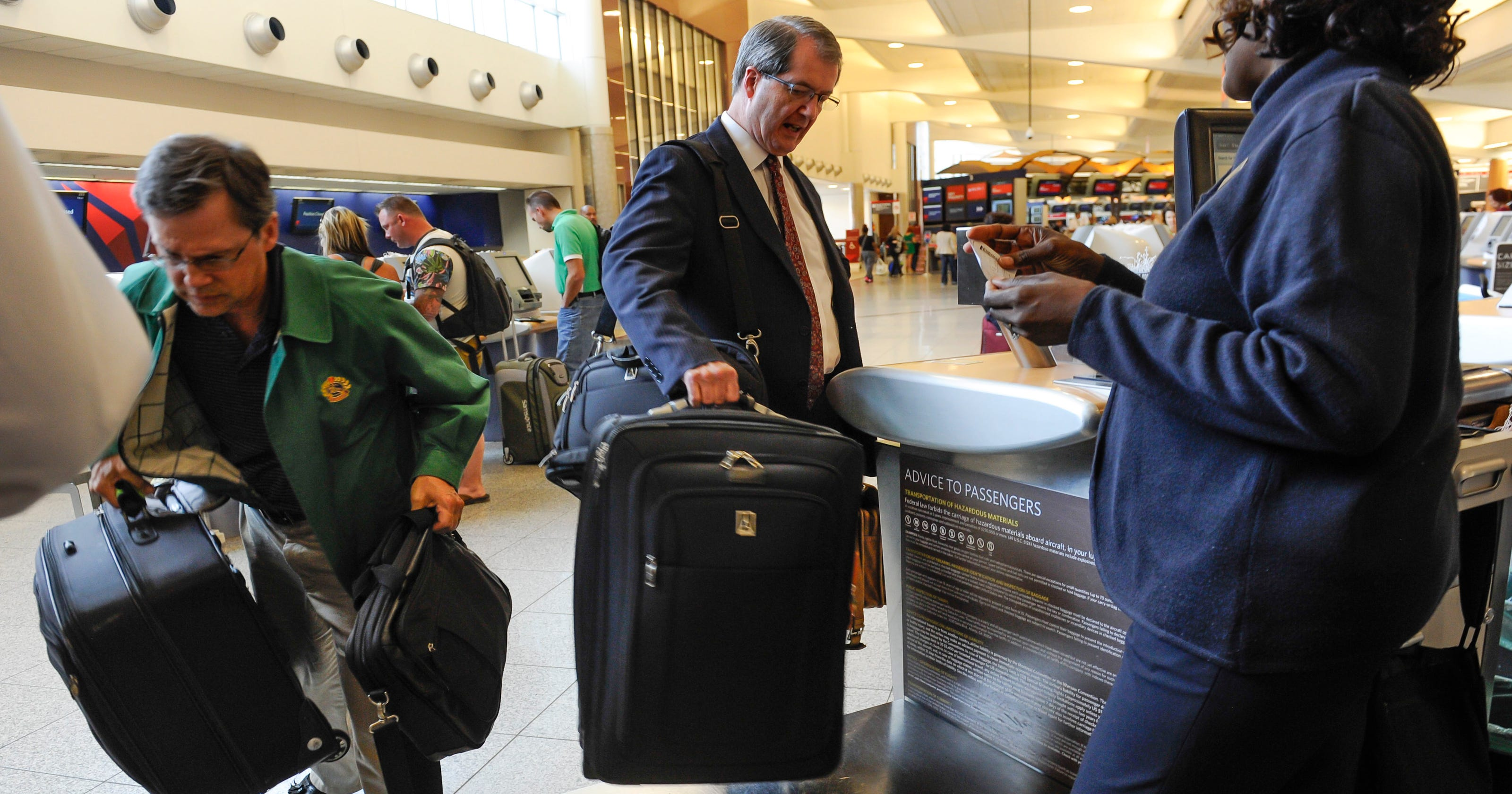 Airline baggage fees  5 ways to avoid them fec2f513d8f50