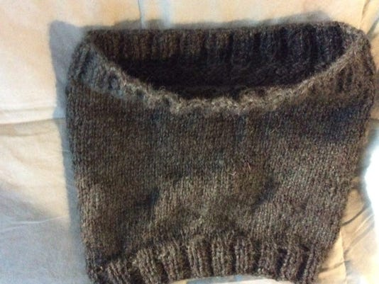 My knee warmer is too loose, but I'm going to make more.