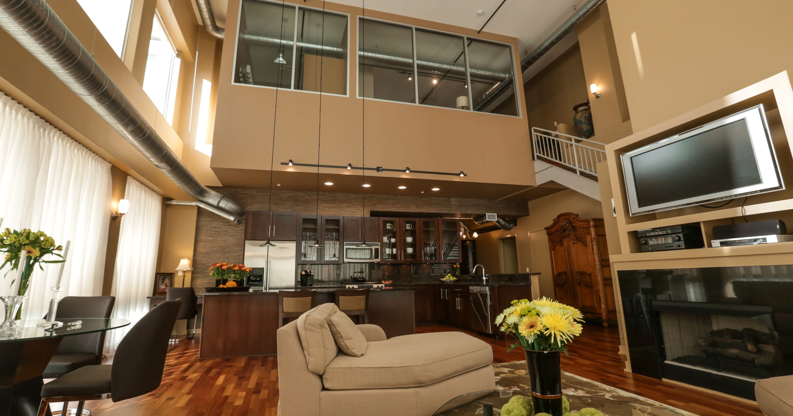 house envy royal oak penthouse has balcony views as far as ren cen. Black Bedroom Furniture Sets. Home Design Ideas