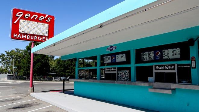 Long time Redding restaurant Gene's Hamburgers is closing down.
