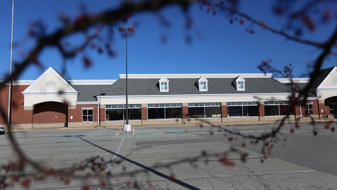 The former Marsh grocery store now owned by Kroger, at the corner of 116th Street and Brooks School Road, Fishers, sits empty, Wednesday, Dec; 20. 2017.