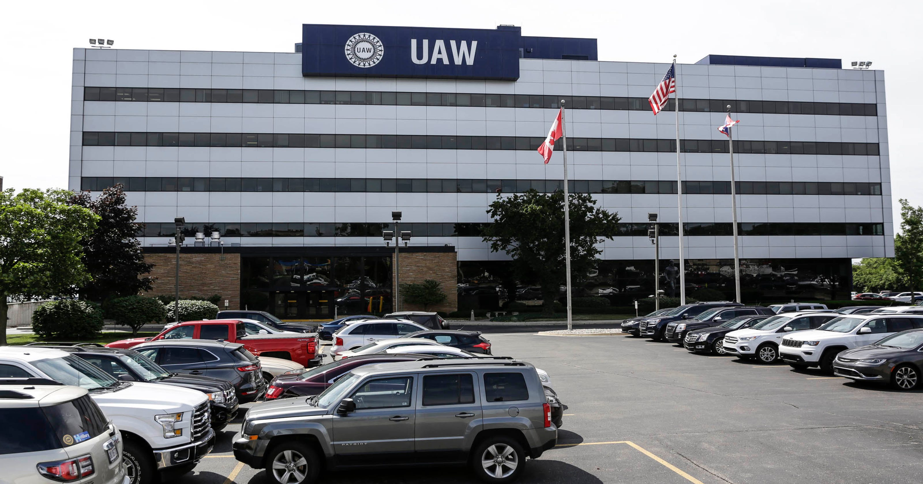 Six more high level UAW, FCA officials due to be charged in scandal