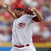 Cincinnati Reds starting pitcher Dan Straily (58) delivers to the plate in the first inning during the MLB game between the Chicago Cubs and Cincinnati Reds, Monday, June 27, 2016, at Great American Ball Park in Cincinnati.
