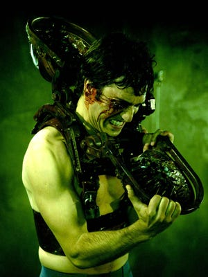 Noam Jenkins isn't seeing eye to eye with the killer Jigsaw when he gets strapped into the Venus Fly Trap.
