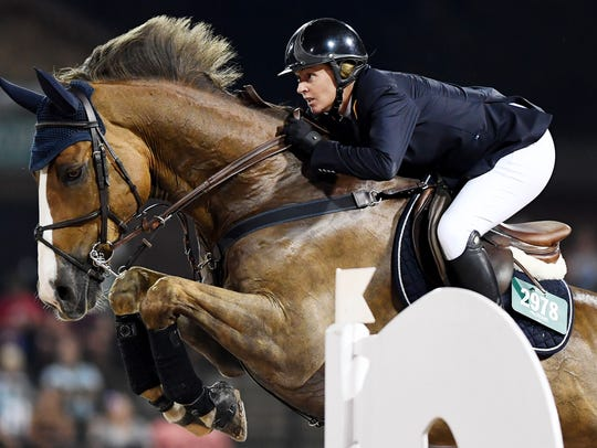 Callan Solem rides VDL Wizard in the $70,000 Carolina