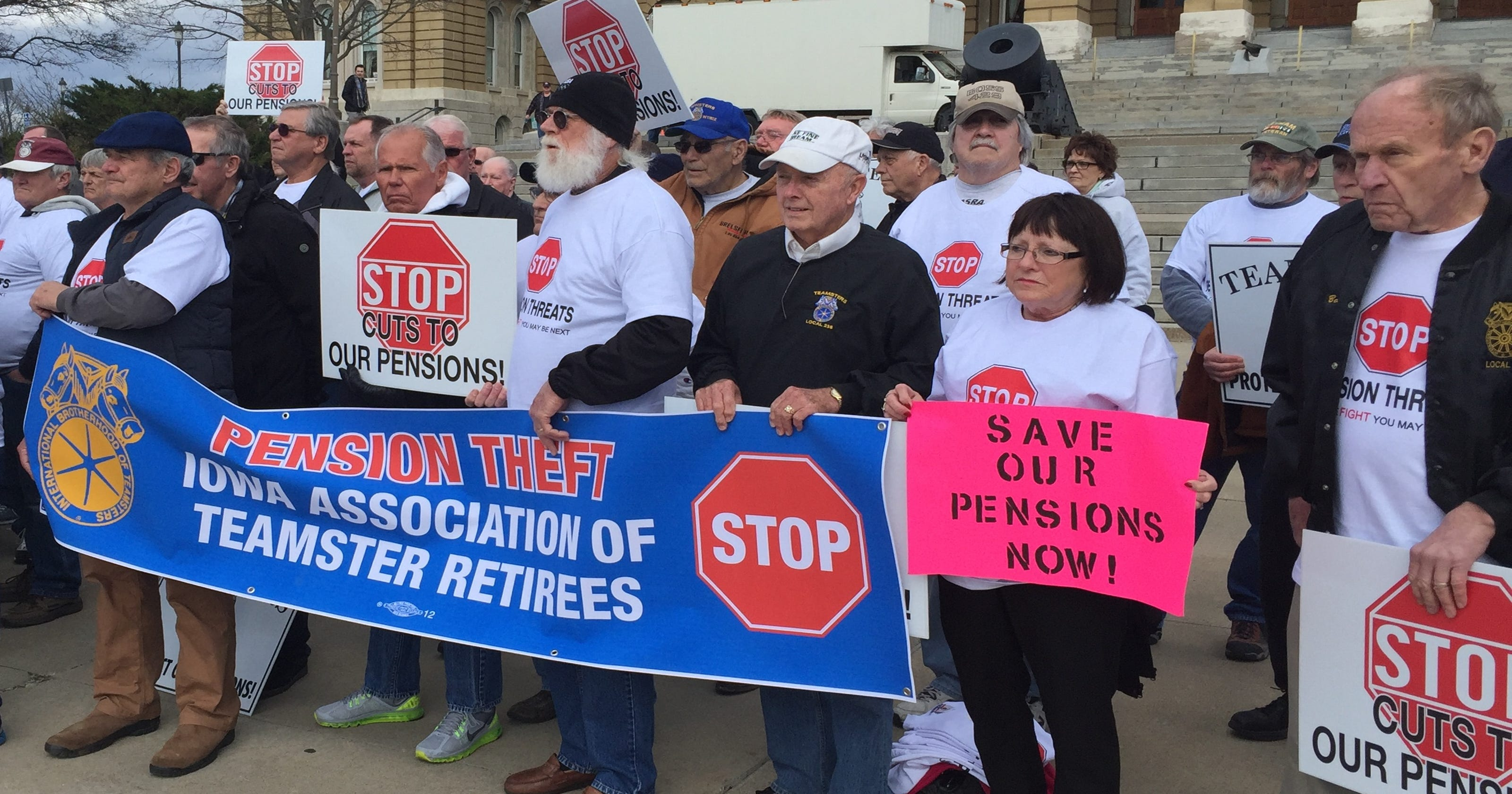 Iowa worker says Teamsters interfered with union