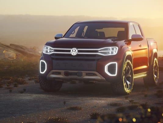 Volkswagen New Truck >> New York Auto Show Volkswagen Atlas Tanoak Pickup Truck Concept Hits