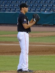 Jeff Kinley plays in relief for the Hammerheads earlier