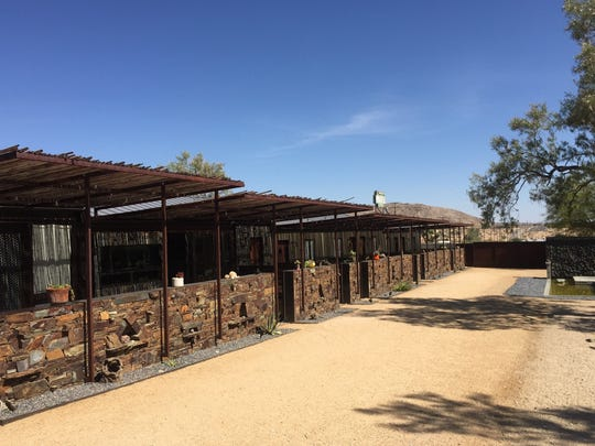 The Mojave Sands Motel in Joshua Tree features five rooms in a stylish, rural desert setting.