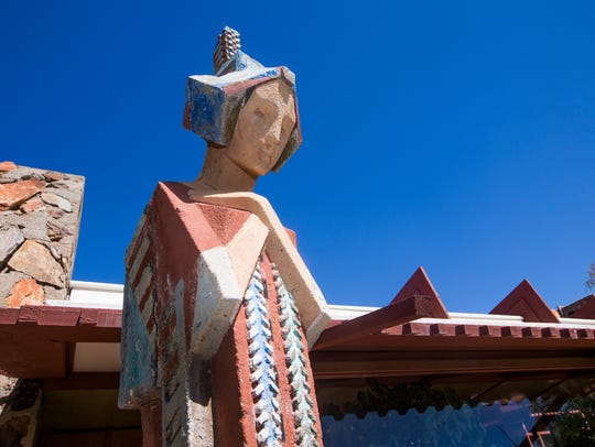 The Frank Lloyd Wright Foundation offers daily public