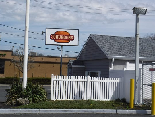 A 30 Burgers restaurant will open on Route 18 North