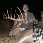 Lafayette County buck crushes state archery record