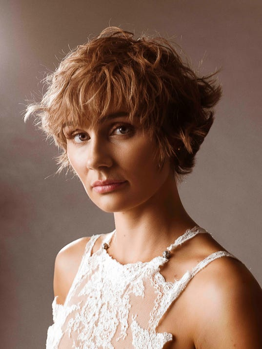 'Nashville' star Clare Bowen overcomes scars from ...