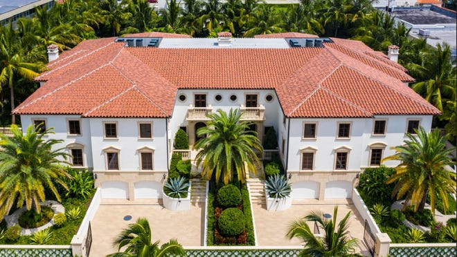 The Palazzo Villas condominium project in the 200 block of Brazilian Avenue has four side-by-side units that resemble townhouses. Palm Beach property owners Earl W. and Christy H. Powell just paid a recorded $7 million for the unit to the right of the central staircases at 217 Brazilian Ave., according to a deed recorded this week.