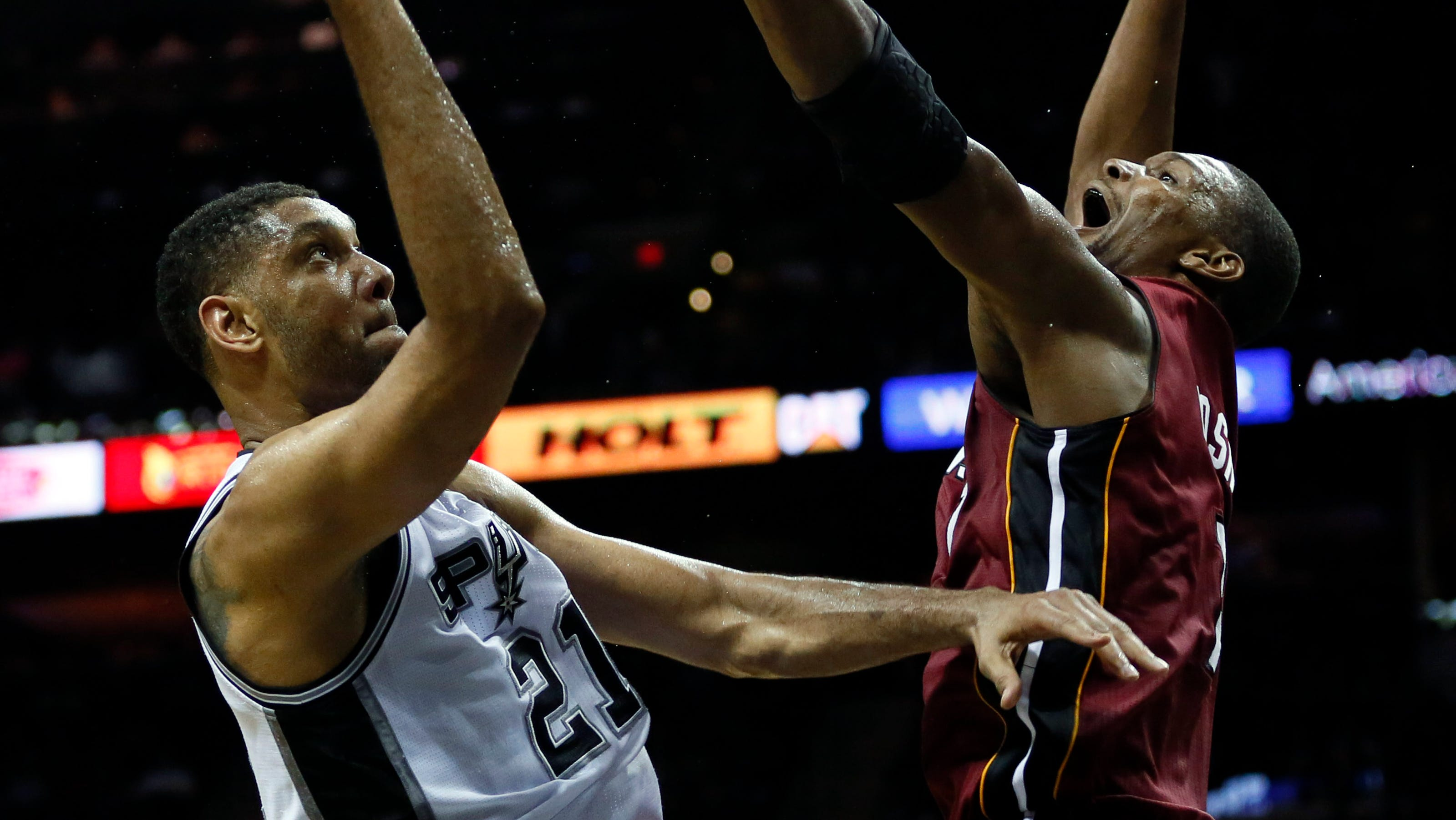 Spurs top Heat as LeBron James cramps in sweltering AT&T Center