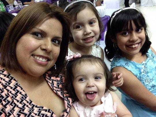 1402339296004-San-Carlos-Family-003