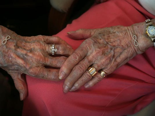 Couple weds 72 years later