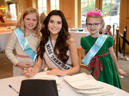 Miss Teen USA K. Lee Graham poses for a photo with