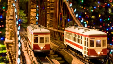 What to do in NYC this weekend: Holiday train show