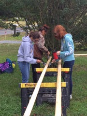 Students from Pocomoke High School give back to the