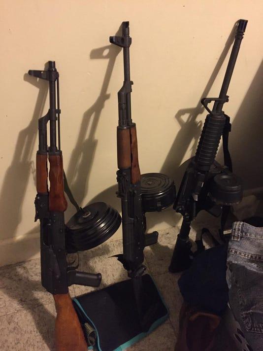 1-guns.jpg