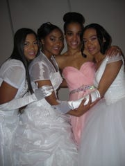 AKA Debs Kourtney Landry and Tia Lowe, AKA Debutante