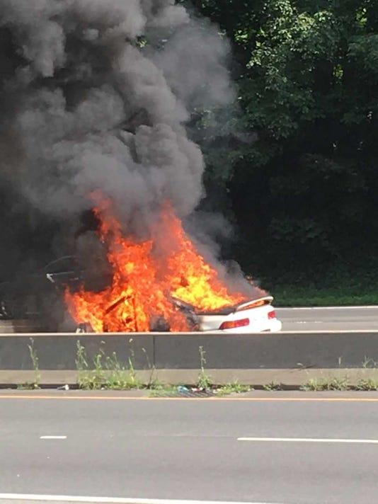 636362514851099640-car-fire-1.jpg