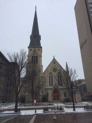 The proposed conversion of downtown Milwaukee's former St. James Episcopal Church into an events venue has  been approved by the Historic Preservation Commission.