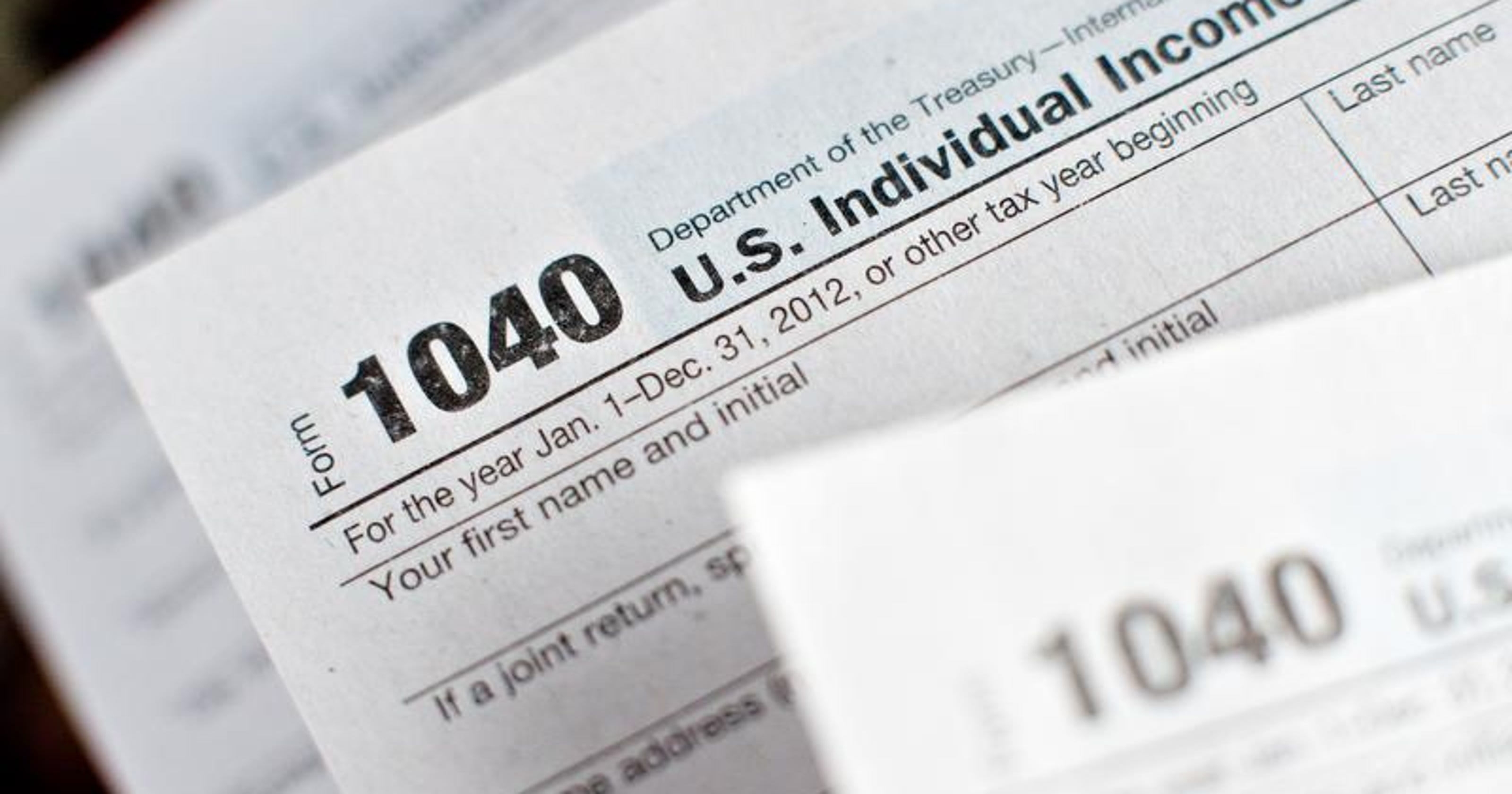 IRS warns of 'Dirty Dozen' tax scams of 2014