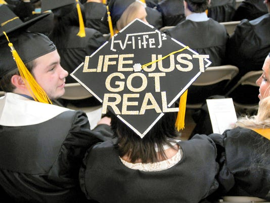 AP UNIVERSITY OF PITTSBURGH AT JOHNSTOWN GRADUATION CEREMONY 2015 A FEA USA PA