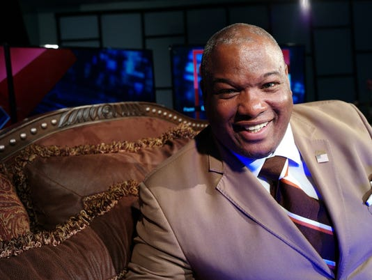 636046323708259275-Pastor-Mark-Burns.jpg