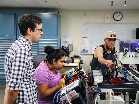 Instructor Andrew Daniels supervises students at Truckee
