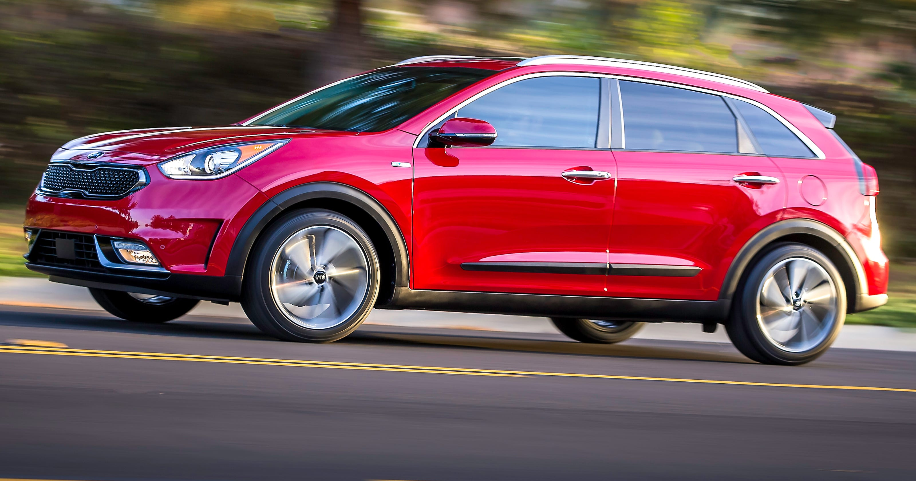 kia niro small hybrid suv gets prius like gas mileage. Black Bedroom Furniture Sets. Home Design Ideas