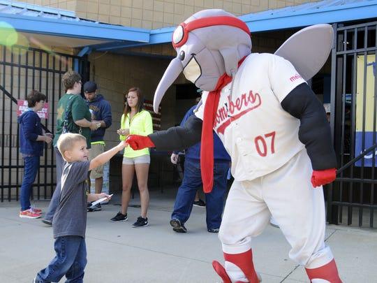 Moe Skeeter, mascot for the Battle Creek Bombers.