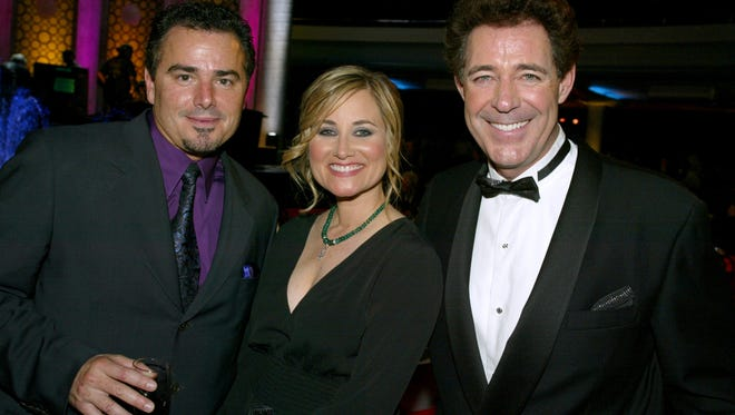 (L to R) Actors Christopher Knight, Maureen McCormick and Barry Williams pose during the TV Land Awards 2003 at the Hollywood Palladium on March 2, 2003 in Hollywood, California.